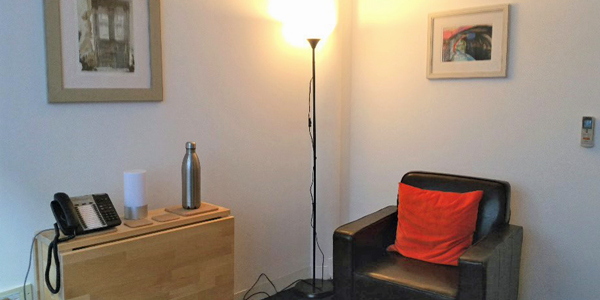 Counselling & therapy room rental - Liverpool St station, City of London EC2M - chair